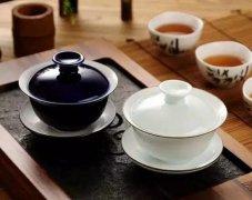 新手盖碗泡茶如何不烫手?